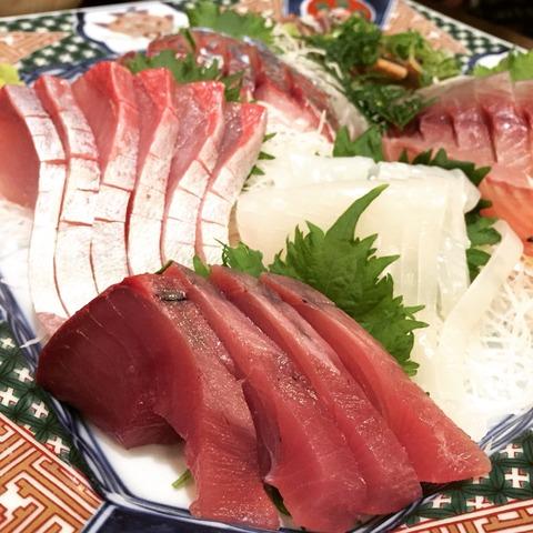 【須崎の宴会】おいしいお魚が食べられる居酒屋『魚貴』で1月生まれのお誕生日会♪