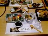 会席3000円これにまだお寿司とか茶碗蒸しとかいろいろつくんよ~