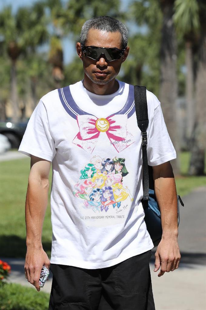【画像】イチローのTシャツが一線を超える!