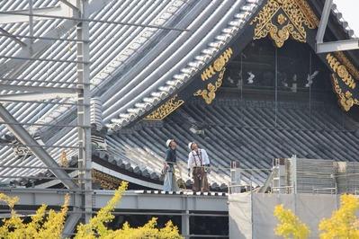 2-151009御影堂門仮設素屋根解体工事