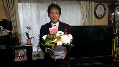 2-立派なお花をいただいてありがとうございます。