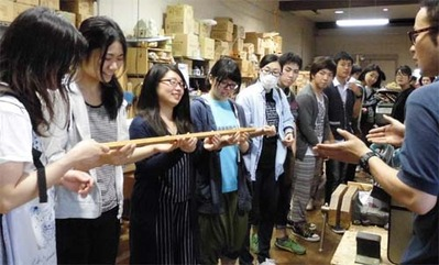 4-160609京都伝統工芸大学校のみなさんの工房見学