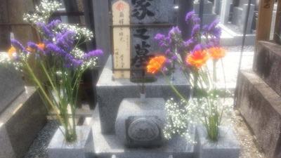 3-130720お墓のお花