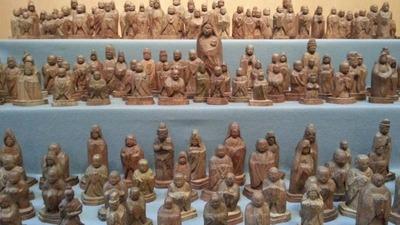 2-陸前高田被災松で彫られた仏像