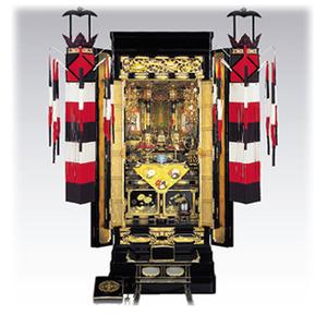お仏壇の前に飾られた切籠灯籠