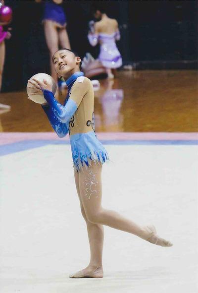8-メイさんの新体操