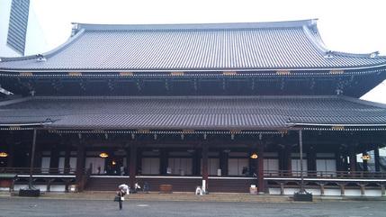 東本願寺さん、雨の御影堂
