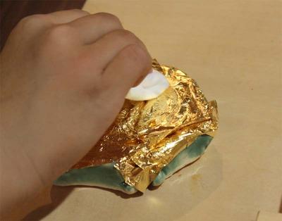 4-小学生が金箔押し体験