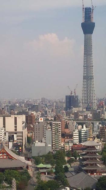 東京スカイツリーと浅草五重塔