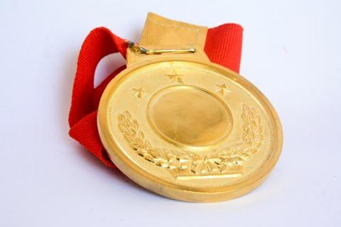 698596300-medal-390549_1920-XD38-1280x853-MM-100