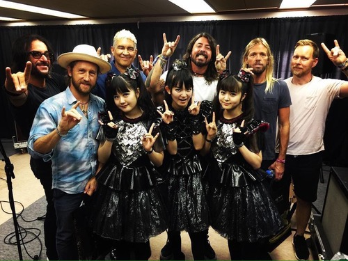 『Japan Times』Babymetal, Foo Fighters and Rick Astley サマソニ記事+J-WAVEでかくれんぼ