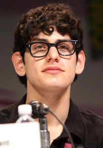 Matt_Bennett_WonderCon_2013_(Straighten_Crop)
