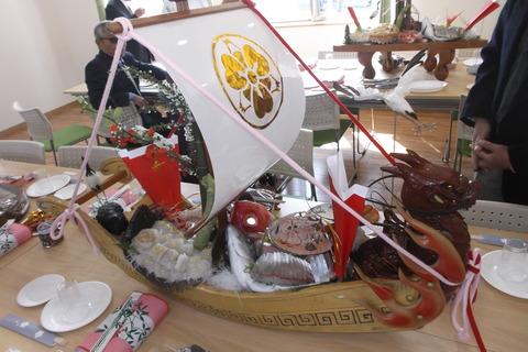 直会タイの帆影船