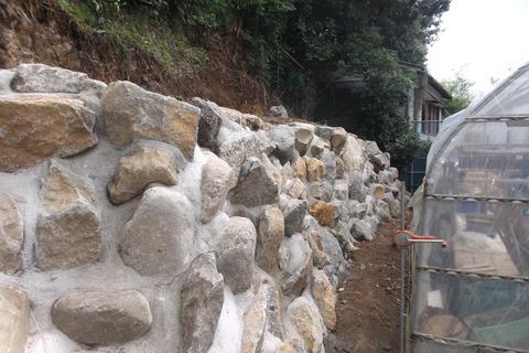 裏庭巨石完成2