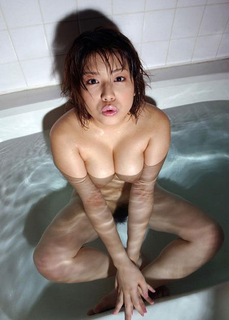bathing_12