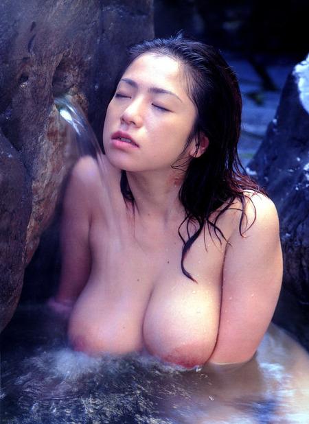 bathing_18