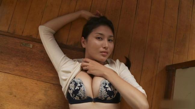 橋本マナミ 美乳 7-22