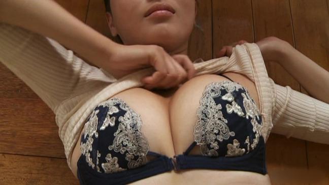 橋本マナミ 美乳 7-25