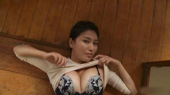 橋本マナミ 美乳 7-23