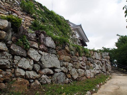 2018090804浜松城天守門付近の400年前築城時の石垣