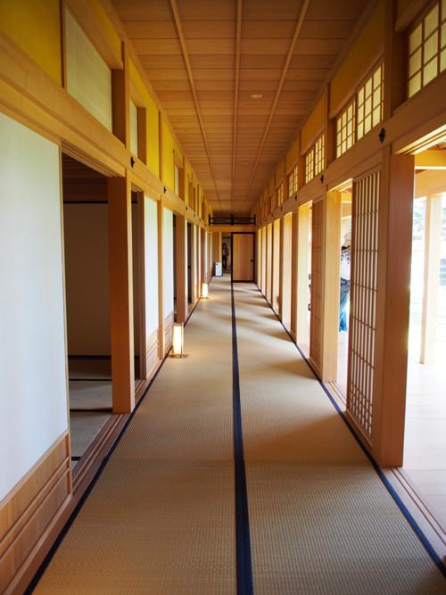 2017120305箱館奉行所で大広間外の廊下