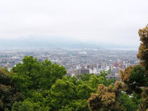 2017080414本丸から市街南西方面の眺め