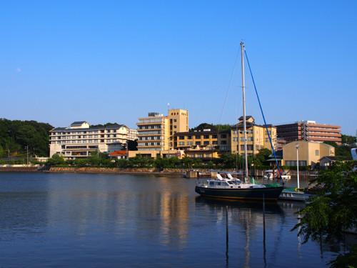2018090102浜名湖内浦とホテル方面の眺め