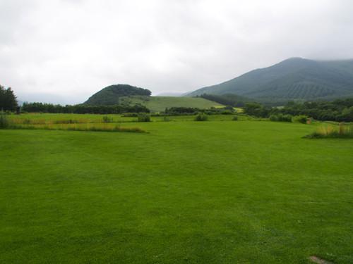 13十勝千年の森アースガーデンと千年の丘方面の眺め