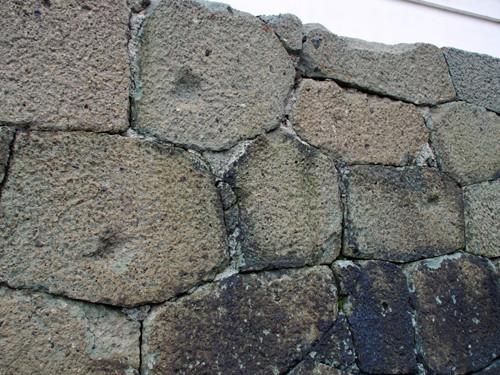 h302松前城天守閣石垣の弾痕