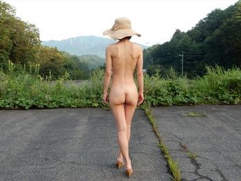 素人の野外露出画像 (14)