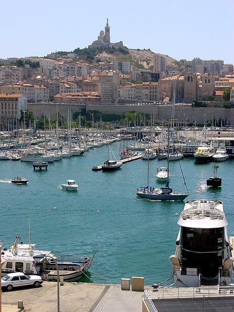 810px-Marseille_hafen