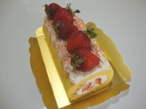 米粉のいちごロールケーキ