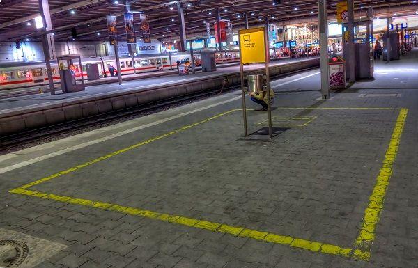 München_Hauptbahnhof_Raucherbereich_Gleis_12-13
