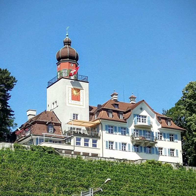 Schloss_Heerbrugg_im_Sommer