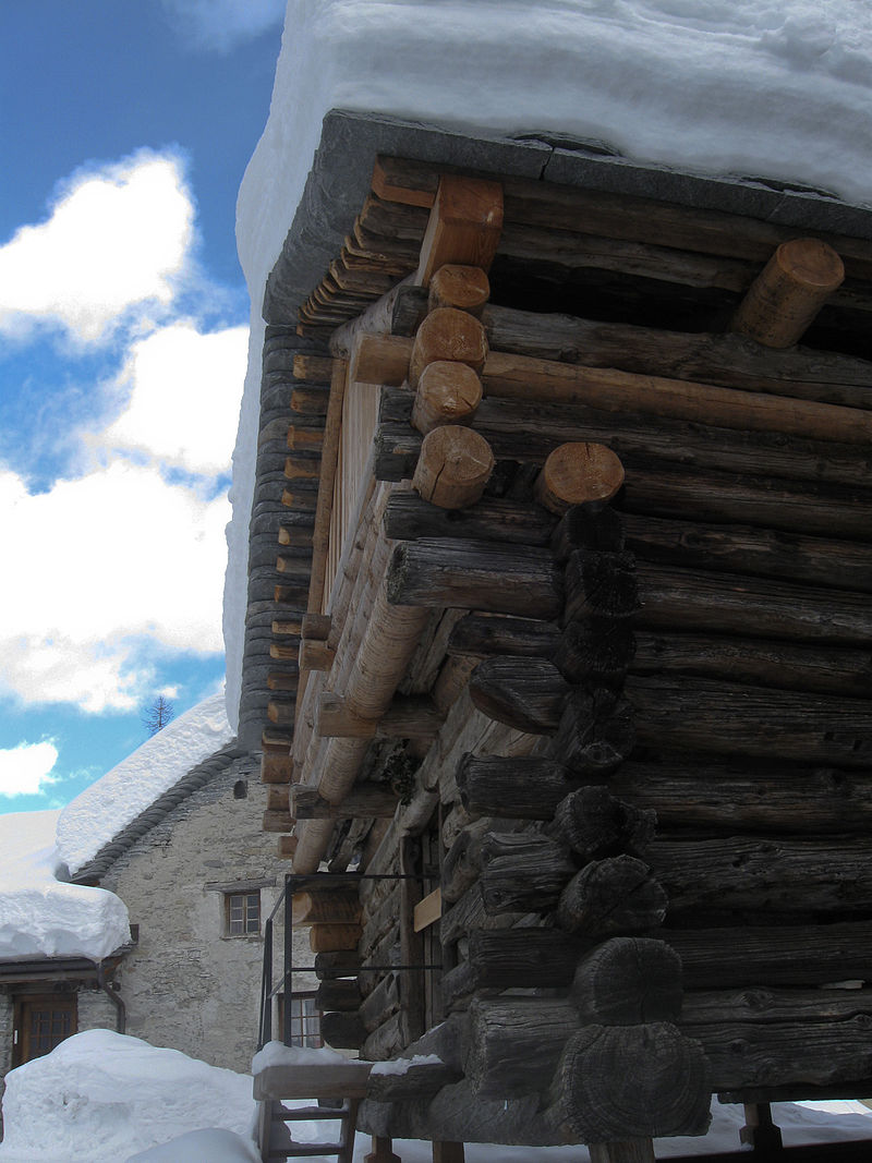 800px-Walser_House_bosco_gurin_20100117_0149_1