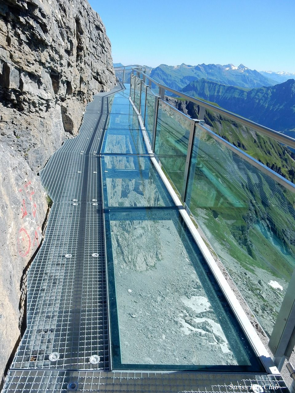 twice 旅行 スイス