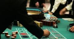 「生活保護でパチンコ」と日本版カジノはどちらが税金のムダ遣いか