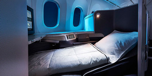 787-business-seat-night