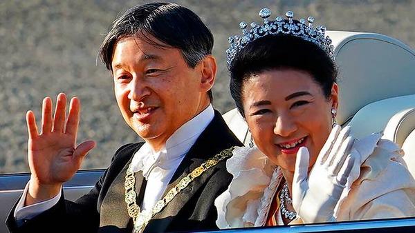 japan-emperor-parade-enthronement
