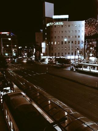 市電と花火
