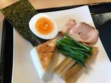 鶏とヒイラギ煮干しの醤油つけ麺