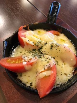トマトのオリーブチーズ焼き
