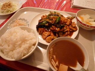 鶏肉と野菜炒め定食
