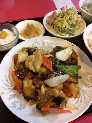 茄子と豚肉の黒酢炒め