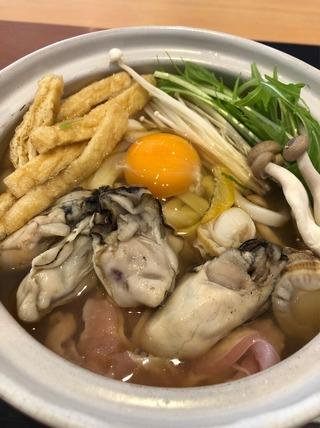 牡蠣と帆立の贅沢鍋焼うどん