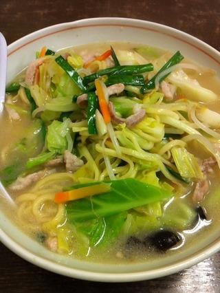 野菜タン麺