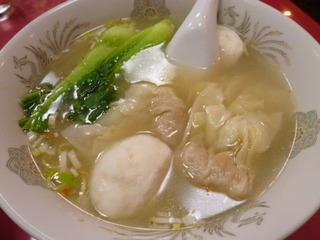 イカ団子エビワンタン麺