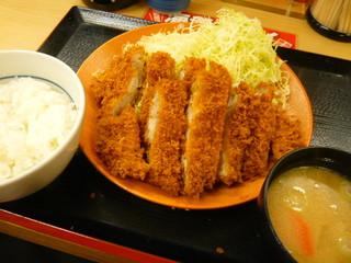 ダブルロースカツ定食