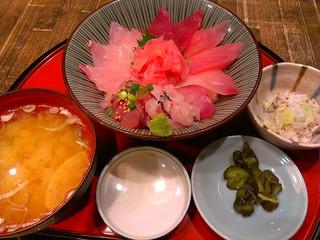 地魚海鮮丼