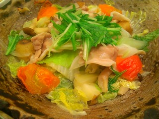 四元豚とたっぷり野菜の蒸し鍋